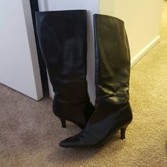 ***SOLD**** Sexy knee boots! Black sexy knee high boots! Great condition! Predictions Shoes Heeled Boots