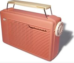 A portable tube radio made in Japan by National / Matsushita Electric Industrial Co., probably in the early just before transistors took over. Case made of Cellulose Acetate and handle made of Polyethylene plastics. Radios, Radio Design, Radio Antigua, Transistor Radio, Marshall Speaker, Jukebox, Childhood Memories, Cool Photos, 1950s