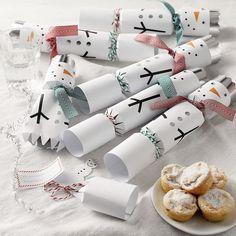 Snowman Crackers | The Little White Company #whitechristmaswishlist