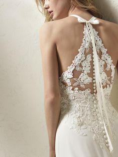 PRONOVIAS 2015-2018 - Svatební salon CAXA.cz - Největší svatební centrum na Moravě
