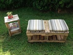 DIY Pallet Bench With Cushions | Pallet Furniture Plans