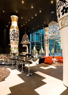 people are still raving over the interior decoration that MARCEL wanders performed on the Hotel Kameha Grand Bonn and he has jumped into third position in our favourite posts, cannot say I am suprised he is a genius. Showroom Interior Design, Restaurant Interior Design, Top Interior Designers, Hotel Lobby Design, Commercial Design, Architect Design, Restaurants, Retail Design, Interior And Exterior
