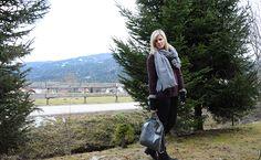 Stella McCartney - Falabella & big scarf Stella Mccartney Falabella, Big, Outfits, Clothes, Suits, Outfit, Style, Clothing