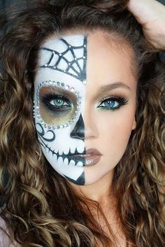 Sugar skull makeup is not something that everyone will be able to replicate. But… - http://makeupaccesory.com/sugar-skull-makeup-is-not-something-that-everyone-will-be-able-to-replicate-but-17/