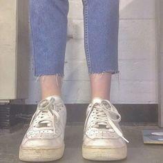 Harajuku Fashion, 90s Fashion, Korean Fashion, Fashion Outfits, Sneakers Fashion, Aesthetic People, Minimal Classic, Sock Shoes, New Trends