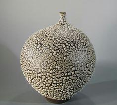 Handcrafted Modern ceramic vase by Keiko Coghlin, Matilda Morgan Ceramics   https://www.etsy.com/your/shops/MatildaMorganCeramic/navigation  #modernpottery #midcenturymoderndecor #midcenturymodernpottery #midcenturymodernceramic #midcenturymoderndecor #midcenturymodern #midcenturymodernfurnishings #midcenturymoderndesign #moderndecor #modern #pottery #Ceramics