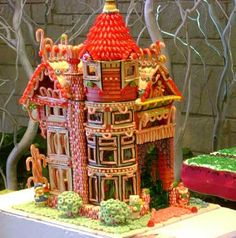 Mini-Victorian Gingerbread House....<3