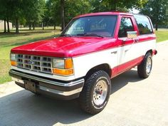 1990 Ford Bronco II (Looks almost identical to my baby)