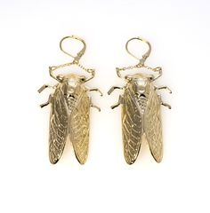 14KT GOLDPLATED GOLDBUGS WITH LEVERBACK CLOSURE.  GOLDBUG MEASURES 2 INCHES LONG. PIERCED EARRING.
