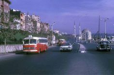 Old istanbul bus and cars