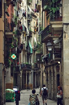 The Gothic quarter Barcelona 601916_545601005498104_359679709_n.jpg (637×960)
