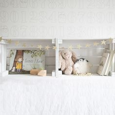 Baby Clothes: Long and Lean Bedroom Decorating Tips, Ikea Kids, Scrap Wood Projects, Diy Wall Art, Kid Spaces, Wood Pallets, Diy Home Decor, Kids Room, Toddler Bed