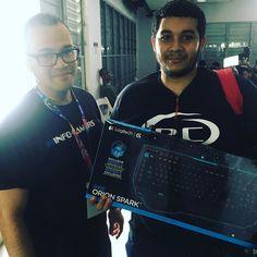 Heribert Rivera felíz ganador del teclado de @logitech_g !!! FELICIDADES!!#WinterClash16 #WC2016 #puertorico