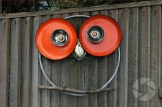 Robyn Stewardson makes the coolest recycled owls! http://tinyurl.com/bvsommx