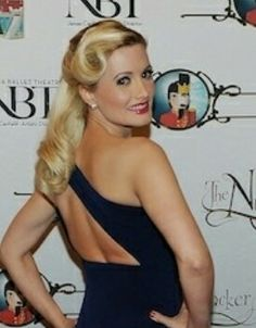 Holly madison 50s hairstyle