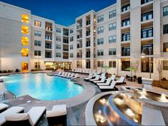 Chastain Park Apartment Pool