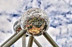 2 ogromne świata — Zdjęcie stockowe © fotosmail #23815543