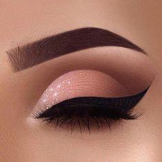 Fabulous Eye Makeup Ideas Make Your Eyes Pop Soft Glam Eye Make-up - sexy Augen Make-up Ideen Sexy Eye Makeup, Creative Eye Makeup, Makeup Eye Looks, Beautiful Eye Makeup, Eye Makeup Art, Smokey Eye Makeup, Cute Makeup, Glam Makeup, Eyeshadow Makeup