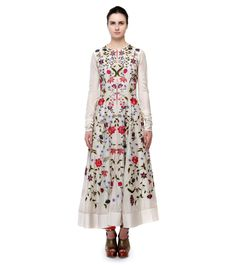 Samant Chauhan is a pioneering Indian fashion label. His collection is a marriage of Indian craftsmanship with western silhouettes.