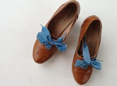 Easy way to make any ordinary shoe look all expensive and Indie;)