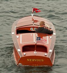 "theyachtguy: ""Classics never get old. Courtesy of . Old Boats, Small Boats, Classic Wooden Boats, Classic Boat, Wooden Speed Boats, Chris Craft Boats, Runabout Boat, Boat Design, Yacht Design"