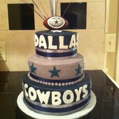 Cowboys Cake ( need this for my girls next birthday, well Vince too!!! Lol)