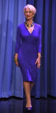 Helen Mirren, Sixty Fucking Nine, Damn! Wow factor: Helen Mirren showed off her stunning figure in a clingy purple dress and purpl. Helen Mirren, Sexy Older Women, Sexy Women, Jenifer Lawrence, Belle Silhouette, Dame Helen, Beautiful Old Woman, Advanced Style, Ageless Beauty