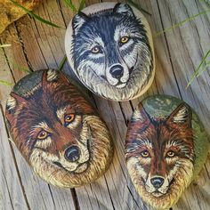 Wolf Pack painted on found beach rocks. By Cameron Reutzel of Lotus and Nightshade. Wolf Painting, Forest Painting, Eye Painting, Pebble Painting, Stone Painting, Painted Rock Animals, Painted Rocks, Stone Crafts, Rock Crafts