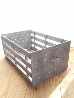 組み立てるだけ!セリアの素材で作るインダストリアルBOX|LIMIA (リミア) Dyi, Easy Diy, Diy Furniture, Outdoor Furniture, Outdoor Decor, Wood Crafts, Diy And Crafts, Diy Interior, Diy Organization