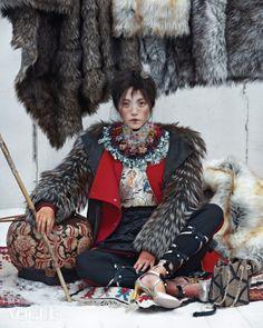 "koreanmodel: "" Jin Jung Sun, Seon Hwang, Jung Ho Yeon by Kim Sang Gon for Vogue… Ethnic Fashion, Asian Fashion, High Fashion, Womens Fashion, Fashion Foto, Image Fashion, Mode Editorials, Fashion Editorials, Ethno Style"