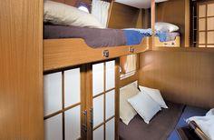 Mochi Craft Dolpihn 54 | Interior | Guest cabin