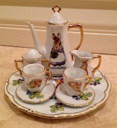 The World of Beatrix Potter Peter Rabbit Miniature China Porcelain Tea Set White w Rabbit Designs Gold Trim. Beatrix Potter, Childrens Tea Sets, Peter Rabbit And Friends, Tea Pot Set, Teapots And Cups, Tea Service, Coffee Set, Vintage Tea, Tea Time