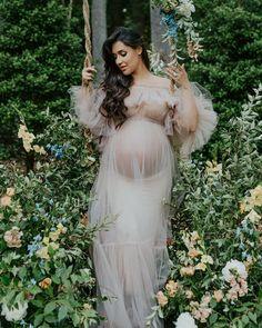 Amelia Vega had the most gorgeous garden photo shoot.