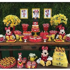 Color and Frame? Mickey First Birthday, Mickey Mouse Bday, Mickey Mouse Clubhouse Birthday Party, Red Minnie Mouse, Mickey Mouse And Friends, 1st Birthday Parties, Birthday Cupcakes, Sunflower Party, Instagram