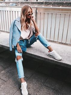 Searching for women's sneakers? Fall Winter Outfits, Spring Outfits, Concert Hairstyles, Pretty Outfits, Cute Outfits, Sneakers Fashion Outfits, Shooting Photo, Tumblr Outfits, Trends