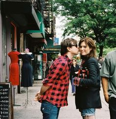 . Ryan Adams and Mandy Moore .