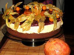 Фото к рецепту: Торт с кремом из маскапоне и папайи под гранатовын желе  Красная шапочка