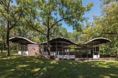 These midcentury modern homes showcase the design of Frank Lloyd Wright, Charles Gwathmey, Willis & Lillian Leenhouts, and more.