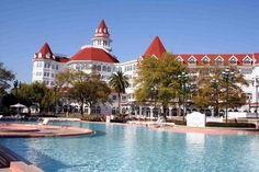 Grand Floridian stayed here so often:-)  its amazing:-)  I love it:-) especially at Christmas