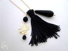 Colar semi-jóia com franja de seda