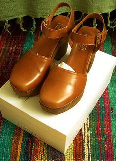 Kaufe meinen Artikel bei #Kleiderkreisel http://www.kleiderkreisel.de/damenschuhe/hohe-schuhe/136098948-cognacfarbene-sandaletten-mit-holz-plateau