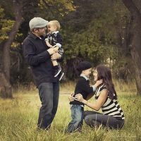 family of four picture pose... 4 looks so nice :)