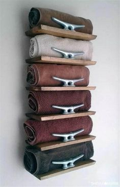 20 Really Inspiring DIY Towel Storage Ideas For Every Small Bathroom - Diy - Bathroom Towel Diy Bathroom, Nautical Bathrooms, Small Bathroom Storage, Bathroom Towels, Bathroom Ideas, Small Storage, Bathroom Designs, Bathroom Beach, Bedroom Storage