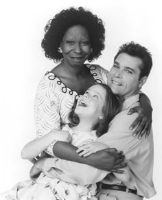 Whoopi Goldberg, Ray Liotta, and Tina Majorino in Corrina, Corrina Corrina Corrina, Alex Martin, Interacial Love, Ray Liotta, Whoopi Goldberg, Coloured Girls, Picture Photo, Famous People, How To Memorize Things