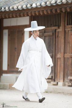 Korean Hanbok, Korean Dress, Korean Outfits, Korean Clothes, Korean Men, Korean Actors, Korean Girl, Korean Wave, Asian Actors