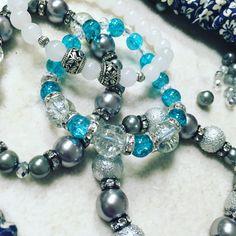 Pružné náramky ze skleněných korálků #sperky #naramky #bracelets #fashion Pandora Charms, Beaded Bracelets, Charmed, Jewelry, Jewlery, Jewels, Jewerly, Jewelery, Seed Bead Bracelets