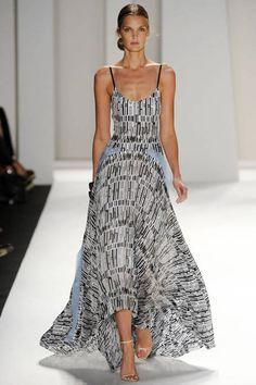 Carolina Herrera #runway #fashion #zappos