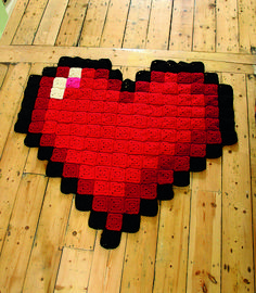 Ravelry: Heart Blanket pattern by Rosee Woodland Pixel Crochet Blanket, Crochet Heart Blanket, Crochet Quilt, 8 Bit Crochet, Crochet Geek, Minecraft Blanket, Granny Square Projects, 8 Bits, Pixel Pattern