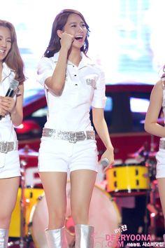 Yoona Sooyoung, Yoona, Snsd, Girls Generation, White Shorts, University, Concert, Beauty, Kpop