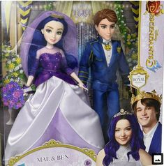 Disney Barbie Dolls, Disney Princess Dolls, Princess Toys, Barbie Doll House, Disney Descendants Mal, Disney Descendants Dolls, Descendants Costumes, Arte Monster High, Mal And Evie